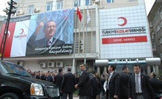 """Türk Kızılayı'ndan İlk Açıklama Geldi! """"Kızılay'ı FETÖ'cülere ve Hırsızlara Teslim Etmeyeceğiz"""""""