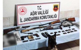 Ağrı'da Terör Operasyonu; 2 Kişi Yakalandı