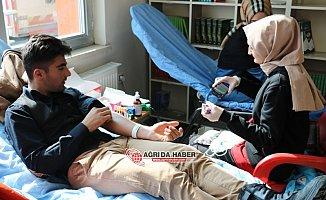 Ağrı Gençlik Merkezinden Türk Kızılayı'na Kan Bağışı