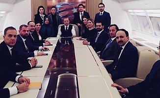 Cumhurbaşkanı Erdoğan Üçlü zirveyi Uçakta değerlendirdi