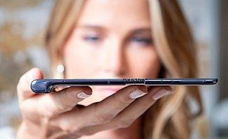 Hueawei'den Katlanabilir Telefon! Samsung...