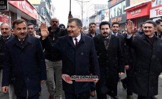 Sağlık Bakanı Fahrettin Koca, Ağrı'da ziyaretlerde bulundu.