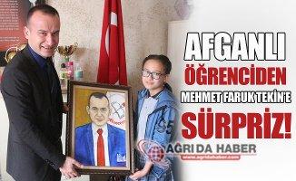 Afganlı Minik Öğrenciden Milli Eğitim Müdürü'ne Sürpriz!
