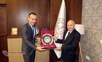 Bitlis Milli Eğitim Müdürü Korkmazdan Tekin'e Ziyaret