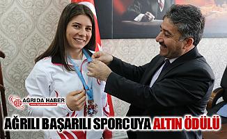 Ağrı GSİM Cihan Demir'den Başarılı Sporcuya Altın Ödülü