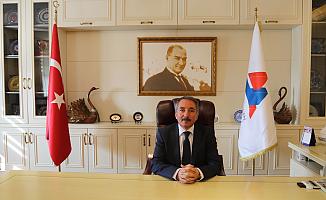 AİÇÜ Rektörü Abdulhalik Karabulut'tan 23 Nisan Kutlama Mesajı