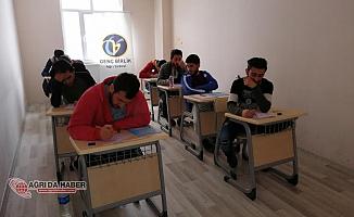 Birlik Vakfı Ağrı Şubesinden öğrencilere ücretsiz deneme sınavı