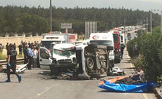 İzmir'de Trafik Kazası! 3'ü Çocuk 7 Kişi Öldü!