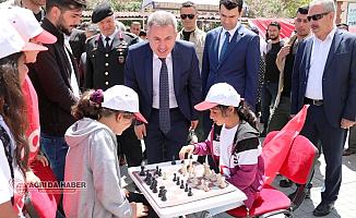Ağrı Valisi Süleyman Elban Sporcuların Gösterilerini İzledi