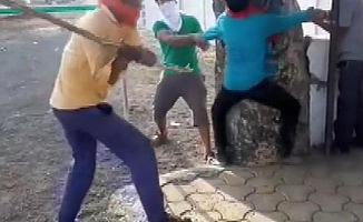 Hindistan'da Müslümanlara İnek Eti Dayağı!