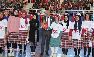 Tutak'ta 19 Mayıs Kutlamaları coşkuyla kutlandı