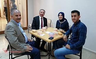Ağrı İbrahim Çeçen Üniversitesinden Finallere hazırlanan öğrencilere çorba ikramı