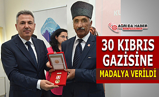 Kıbrıs Gazisi 30 Ağrı'lıya Madalya verildi