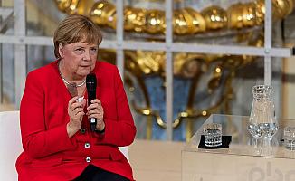 """Merkel """"Kürt devleti kurulmamalı"""""""