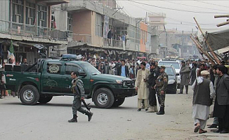 Afganistan'daki seçimlere bir çok yerden saldırı!