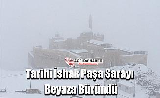 Ağrı'da Kar Yağdı! İshak Paşa Sarayı Beyaza Büründü!