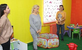 İzmirli 9 Gönüllü Ev Kadınından Ağrılı Miniklere Destek