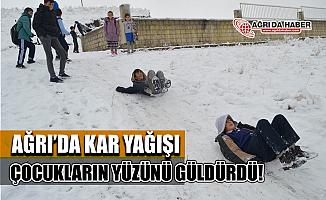 Ağrı'da kar yağışına En Çok Çocuklar Sevindi