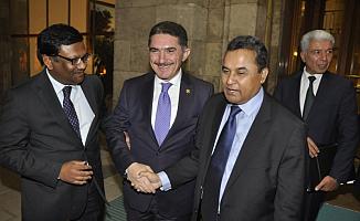 Milletvekili Çelebi, Bangladeşli Bakan'a darbecilerin bombaladığı Meclis'i anlattı