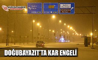 Ağrı Doğubayazıt'ta ulaşıma kar engeli