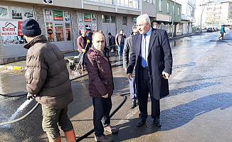 Eleşkirt Belediyesi Cadde ve Sokakları Dezenfekte etti