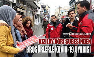Kızılay Ağrı Şubesi broşürlerle vatandaşları Kovid-19 salgınına karşı bilgilendirdi