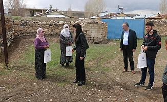 Diyadin Belediyesi Maske Dağıttı