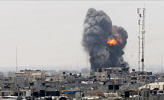 İsrail Gazze'ye Yeniden Hava Saldırısı Düzenledi