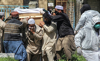 Pakistan'da Hastaneler doldu!