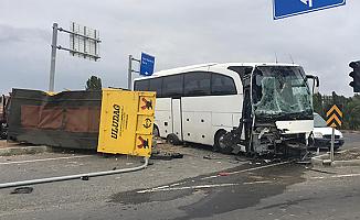 Ağrı Çevreyolu'nda Kaza! 4 kişi Yaralandı