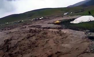 Ağrı'da Sağanak Etkili Oldu! Arsalar Sular Altında Kaldı