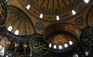Ayasofya Camisi'ne 3 İmam 5 Müezzin Atandı
