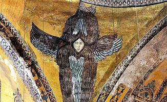 Ayasofya'daki Çizimler Lazer Işık ile Kapatılacak