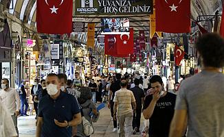 """""""Türkiye'de vaka sayısı açıklanandan 10 kat fazla"""""""