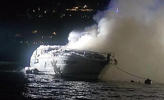 İstanbul'da Gemi Yangını Korkuttu!