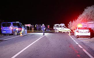 Ambulansı sollamaya çalıştı! 4 Ölü