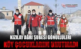 Türk Kızılay'ın Gönüllü Gençleri Ağrı'da Köy Çocuklarını Unutmadı