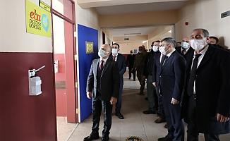 Vali Varol'dan,Tutak'ta Okul Ziyareti
