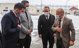 Vali Varol'dan Geri Gönderme Merkezine Ziyaret