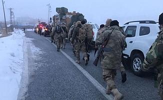 Bitlis'te askeri helikopter düştü!