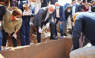 2 Bin 400 Yıllık Lahit İlk Defa Açıldı