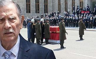 Eski Başbakan Yıldırım Akbulut Toprağa Verildi
