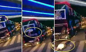 Futbolcu Takım Otobüsünden Düştü!