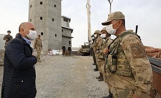 Vali Varol'dan Jandarma Asayiş Komando Bölük Komutanlığına Ziyaret