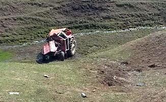 Ağrı'da Traktör Takla Attı