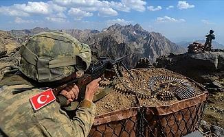 PKK'dan Kaçan 5 Terörist Daha Teslim Oldu