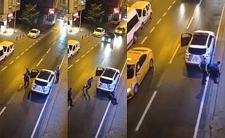 Annesini Bıçaklayan Kişiyi, Polis Ayaklarından Vurdu!