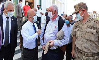 Ağrı Valisi, cami ve kültür merkezinin açılışına katıldı