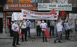 Ağrı'ya Gelen Diyarbakır Anneleri PKK'yı Lanetledi!