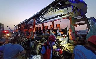 Katliam gibi trafik kazasında: 6 ölü, 37 yaralı